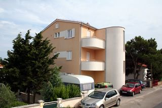 Apartments, Premantura, Pula & south Istria - Apartment ID 1035