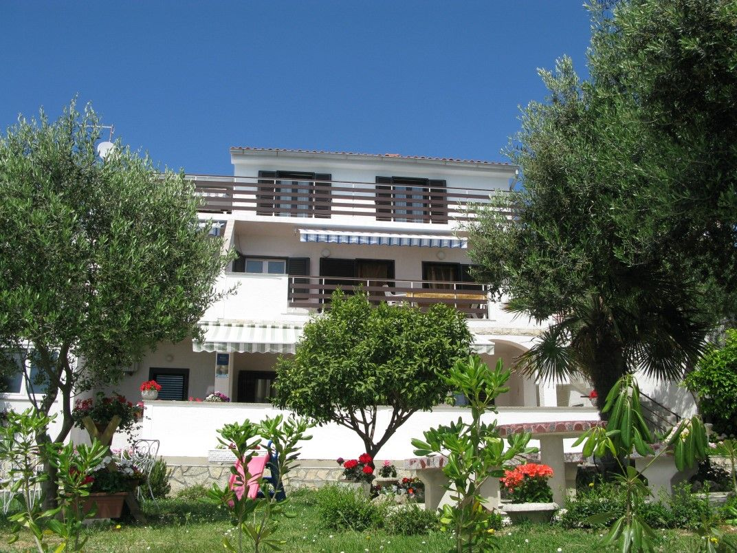 Apartments, Banjol, Island of Rab - Apartment ID 1174