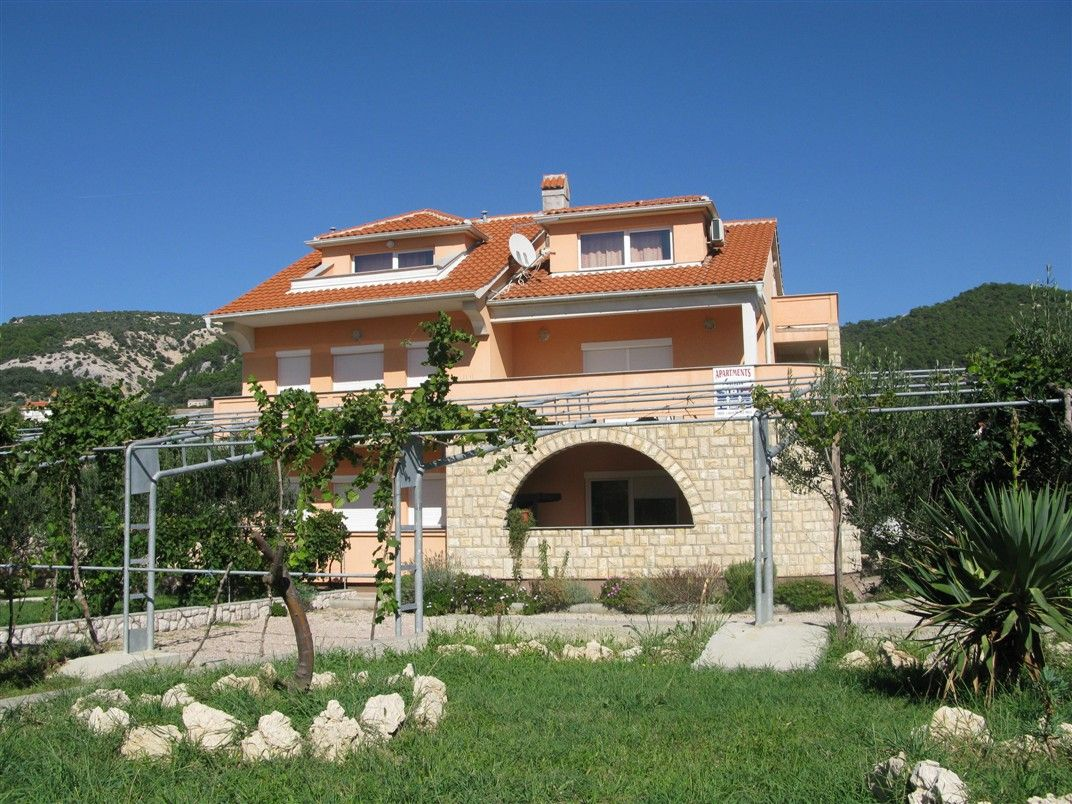Apartments, Banjol, Island of Rab - Apartment ID 1199