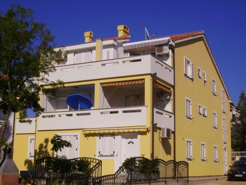 Apartments, Malinska, Island of Krk - Apartment ID 1224