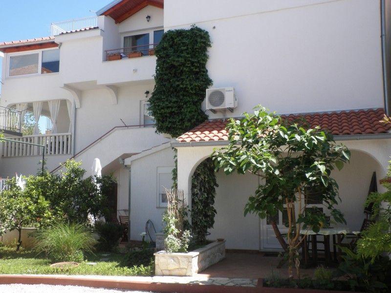 Apartments Primošten - Apartment ID 1252