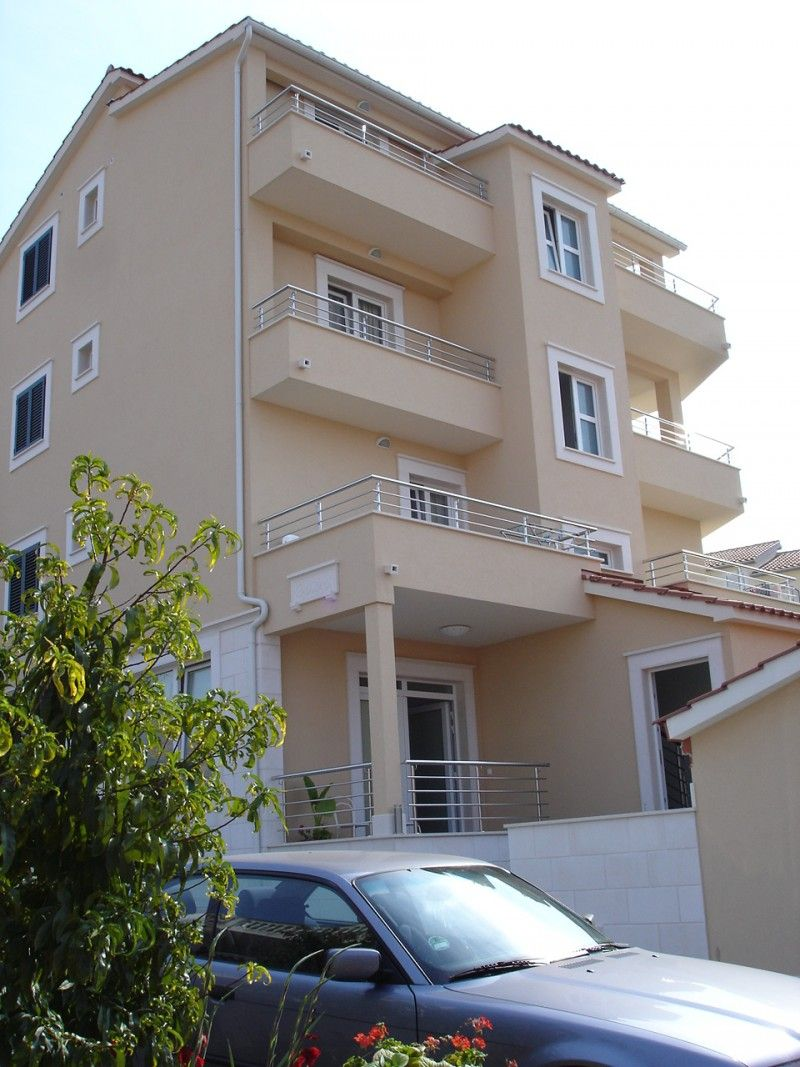 Centrally located popular apartments in Primosten