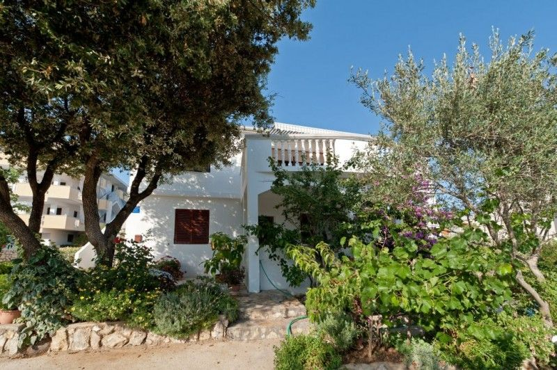 Peaceful holiday in Mandre - Family apartments close to the sea