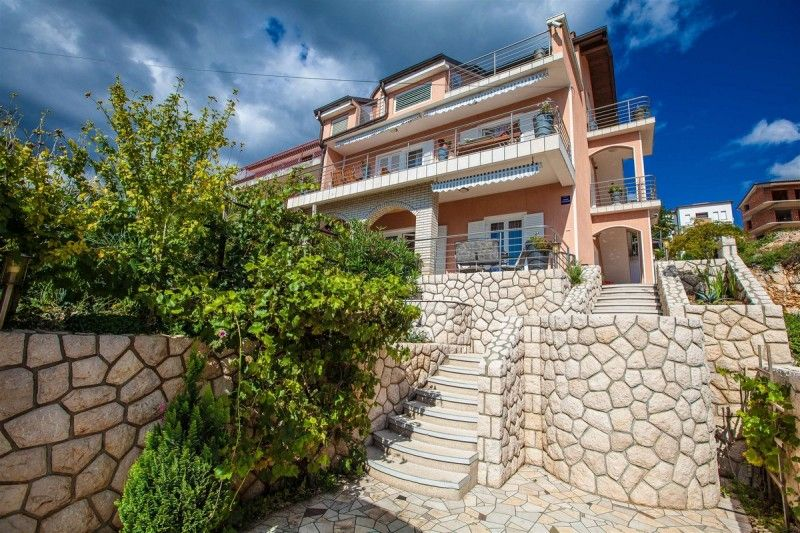 Apartments Crikvenica and surroundings - Apartment ID 1384