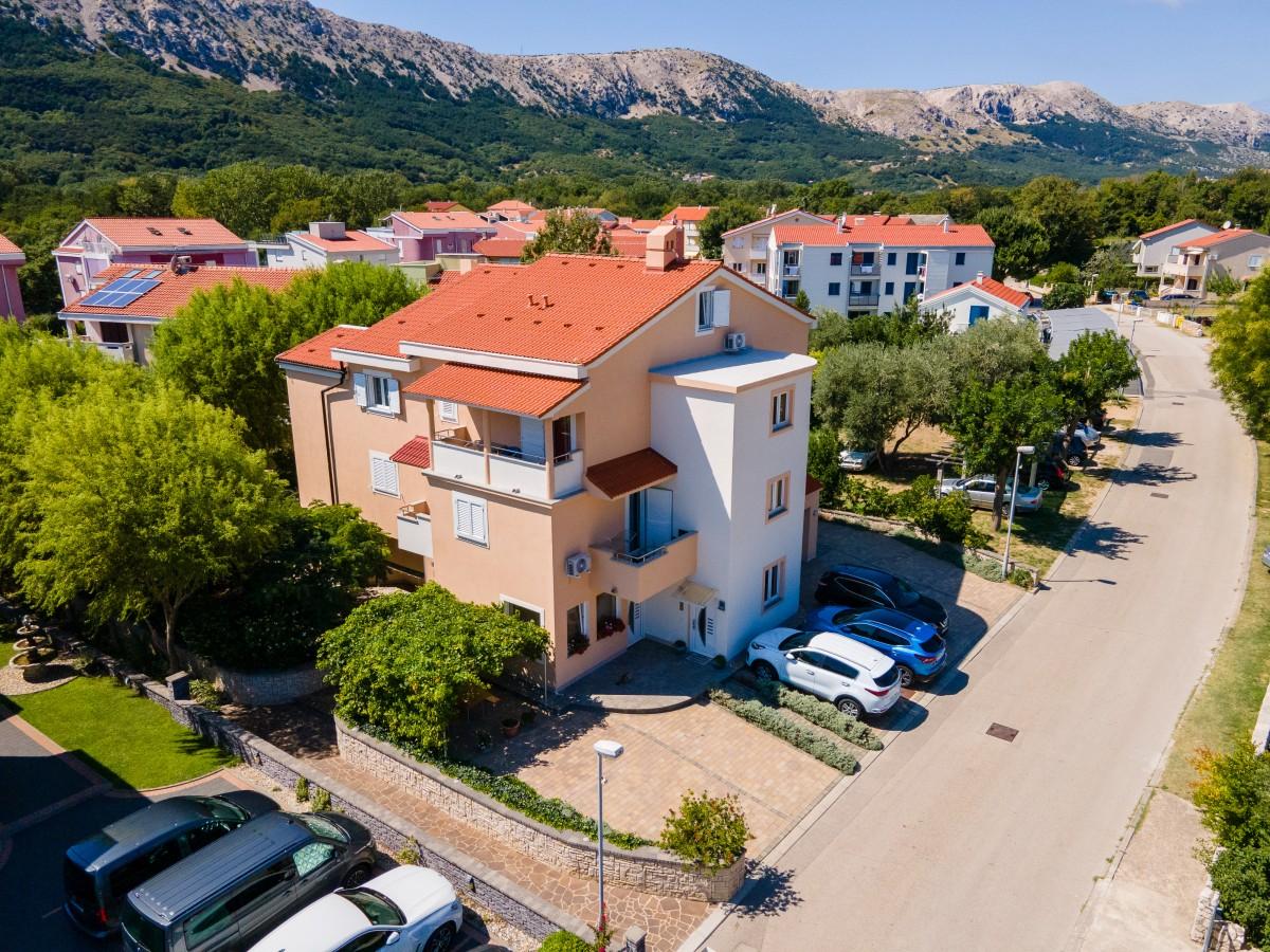 Apartmány Ostrov Krk - RODINNE APARTMANY BASKA KRK