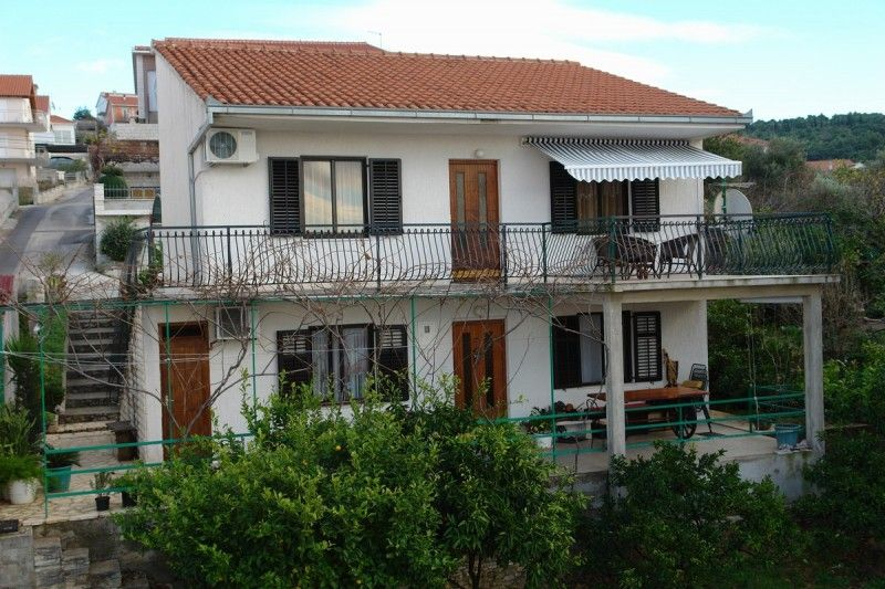 Apartments, Trogir, Trogir and surroundings - Apartment ID 1423