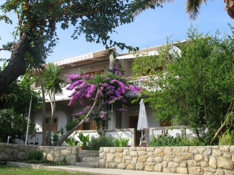 Apartments, Banjol, Island of Rab - Apartment ID 1498