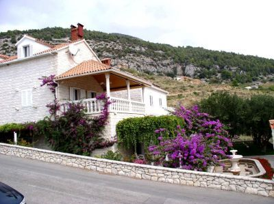Apartments, Bol, Island of Brač - Apartment ID 1576