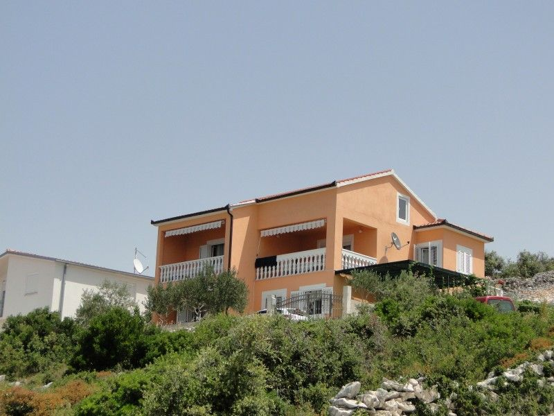 Apartments Trogir and surroundings - Apartment ID 1624