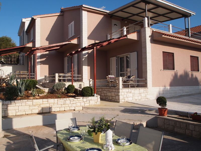 Apartments, Milna, Island of Brač - Apartment ID 1769