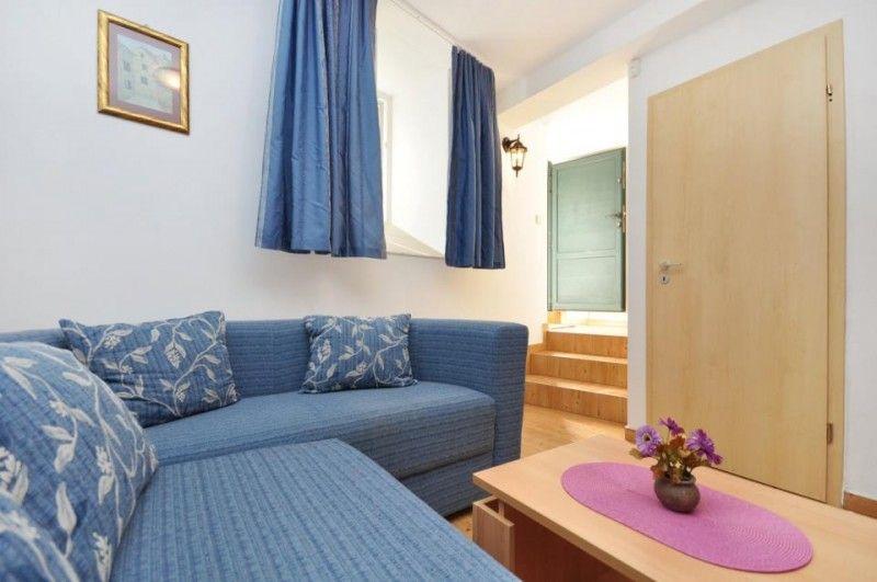 bra supetar ferienwohnungen in der n he von strand u zentrum supetar insel bra. Black Bedroom Furniture Sets. Home Design Ideas