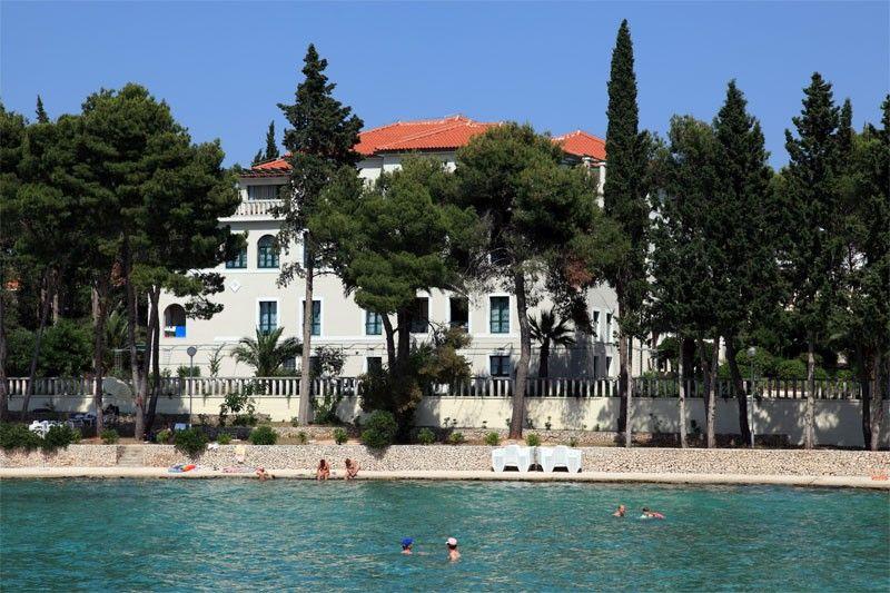 Hotely, Supetar, Ostrov Brač - VILLA VELA LUKA