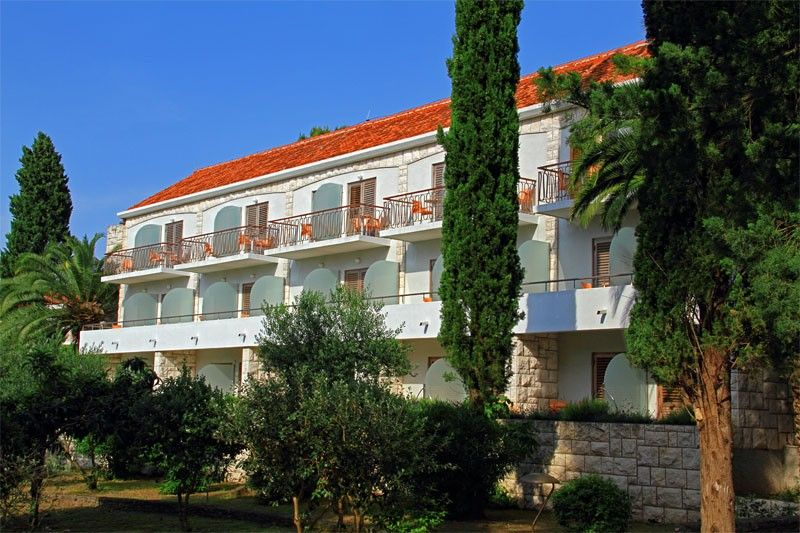 Hotels, Supetar, Island of Brač - PAVILIONS VLACICA AND VRILO