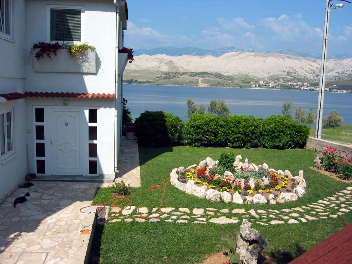 Apartments Island of Pag - Apartment ID 0188