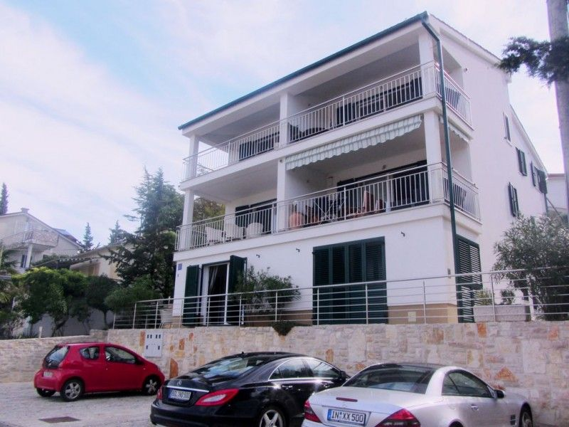 Apartments, Malinska, Island of Krk - Apartment ID 1889