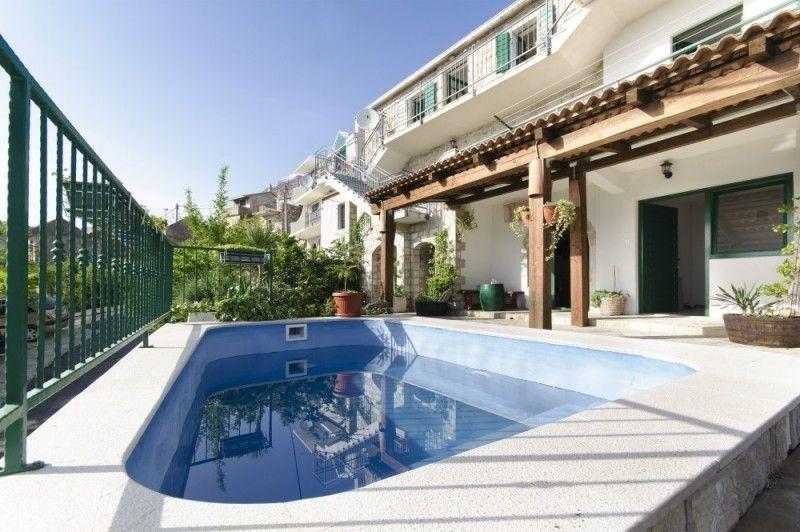 Villy/Dovolenkové domy Makarská Riviéra - Vila s bazénom
