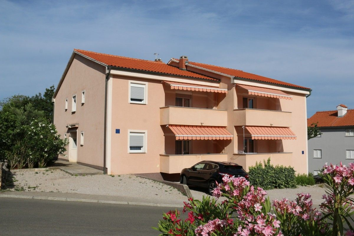 Apartments Island of Krk - KRK SOLINE HOLIDAY HOUSE FOR GROUPS AND FAMILIES