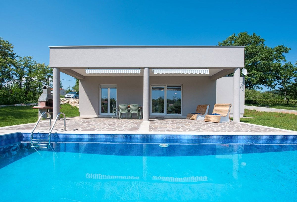 Holiday Homes, Bečići, Rabac & Labin - HOLIDAY HOME ALBERTI