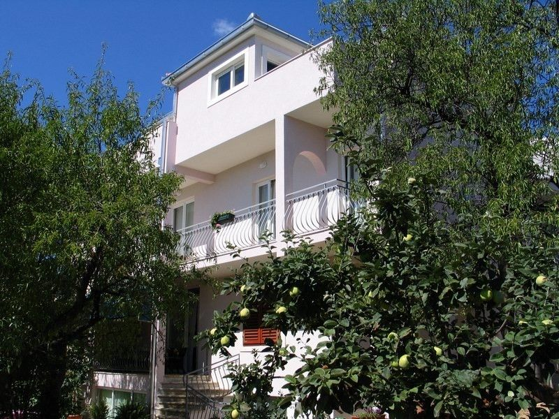 Apartments Makarska