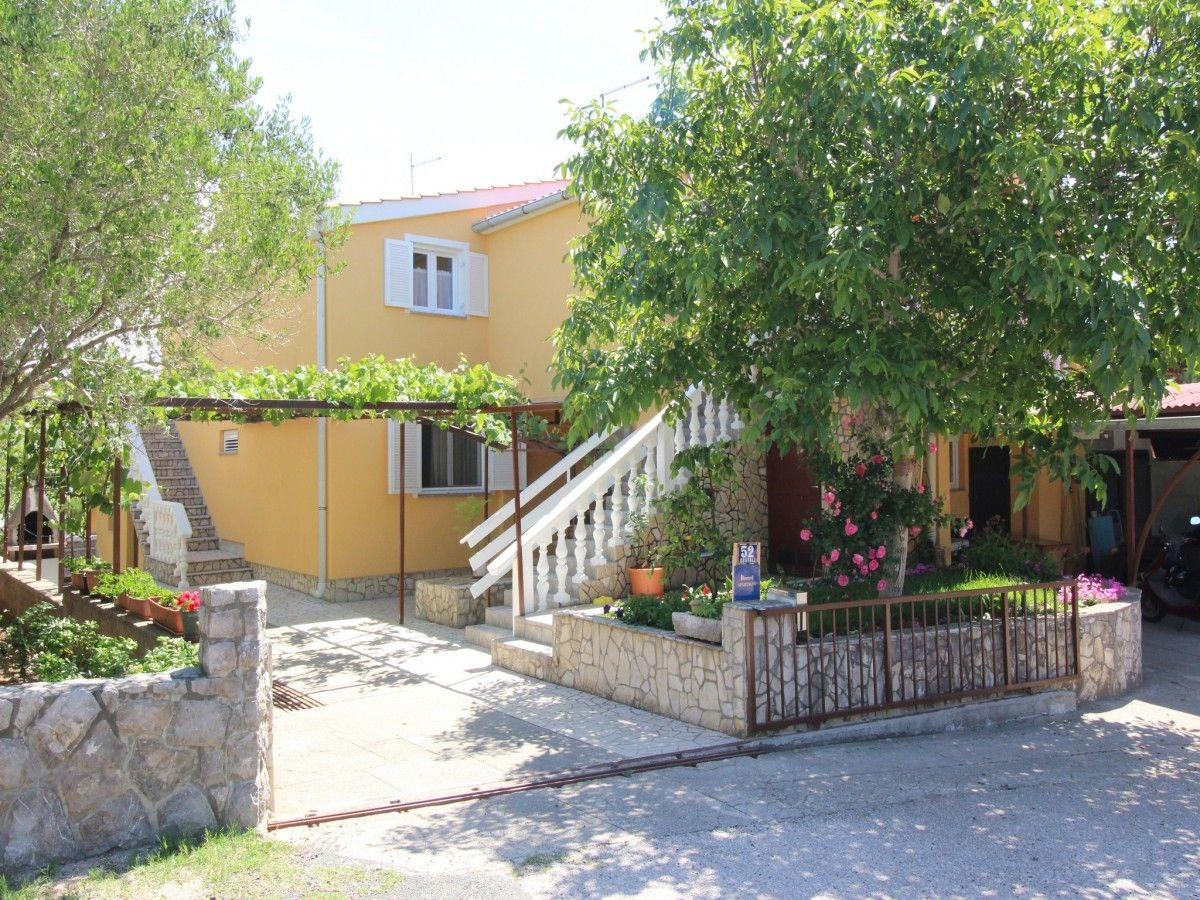 Apartments, Šilo, Island of Krk - Apartment ID 2112