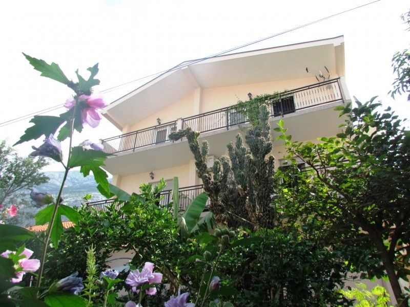 Apartments Makarska Riviera - Apartment ID 2145