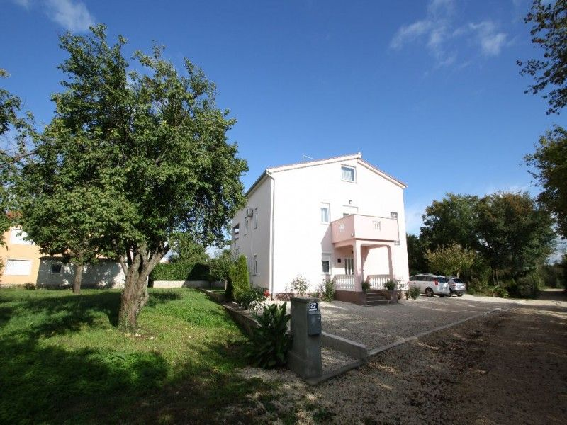 Apartments Vrsar and Funtana - Apartment ID 2148