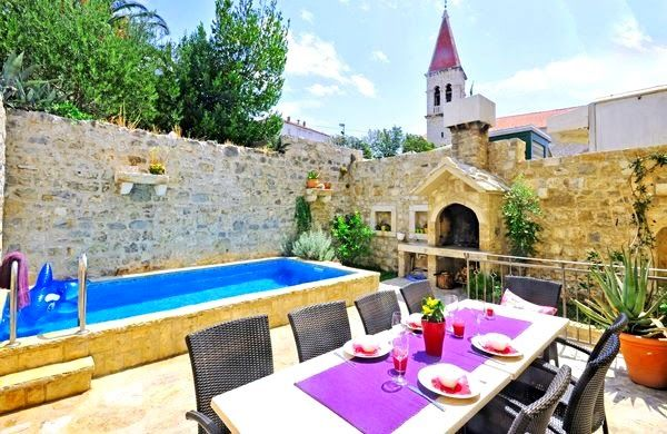 Villas Makarska Riviera - Renovated old stone house villa with pool in the center of Makarska