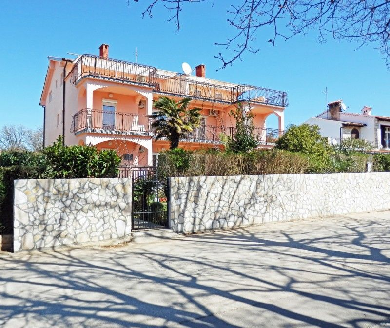 Apartments, Medulin, Pula & south Istria - Apartment ID 2215
