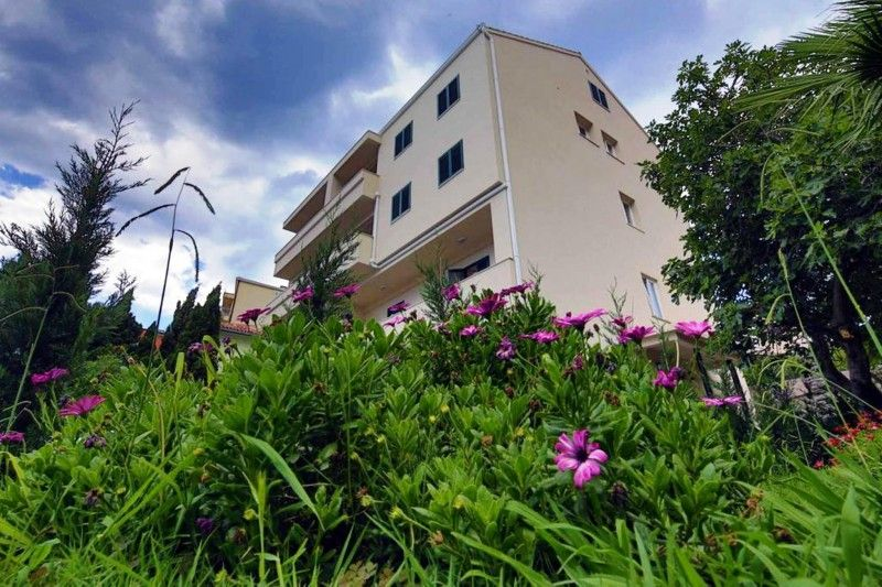 Apartments Makarska Riviera - Apartment ID 2350