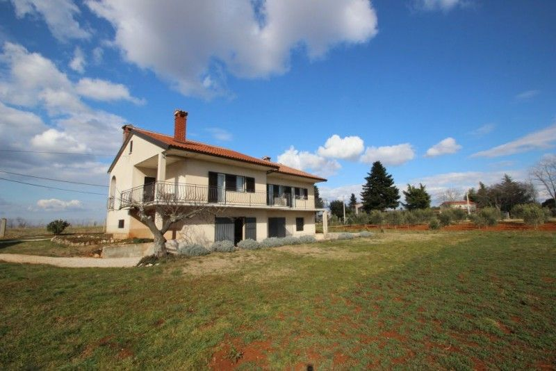 Villy/Dovolenkové domy Novigrad - Dovolenkový dom  ID 2477