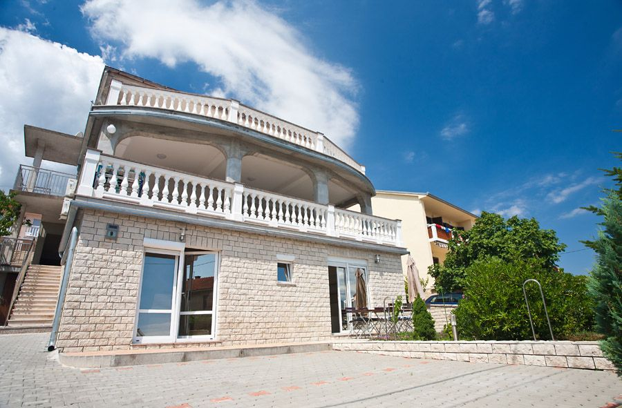 Apartments, Šilo, Island of Krk - Apartment ID 2564