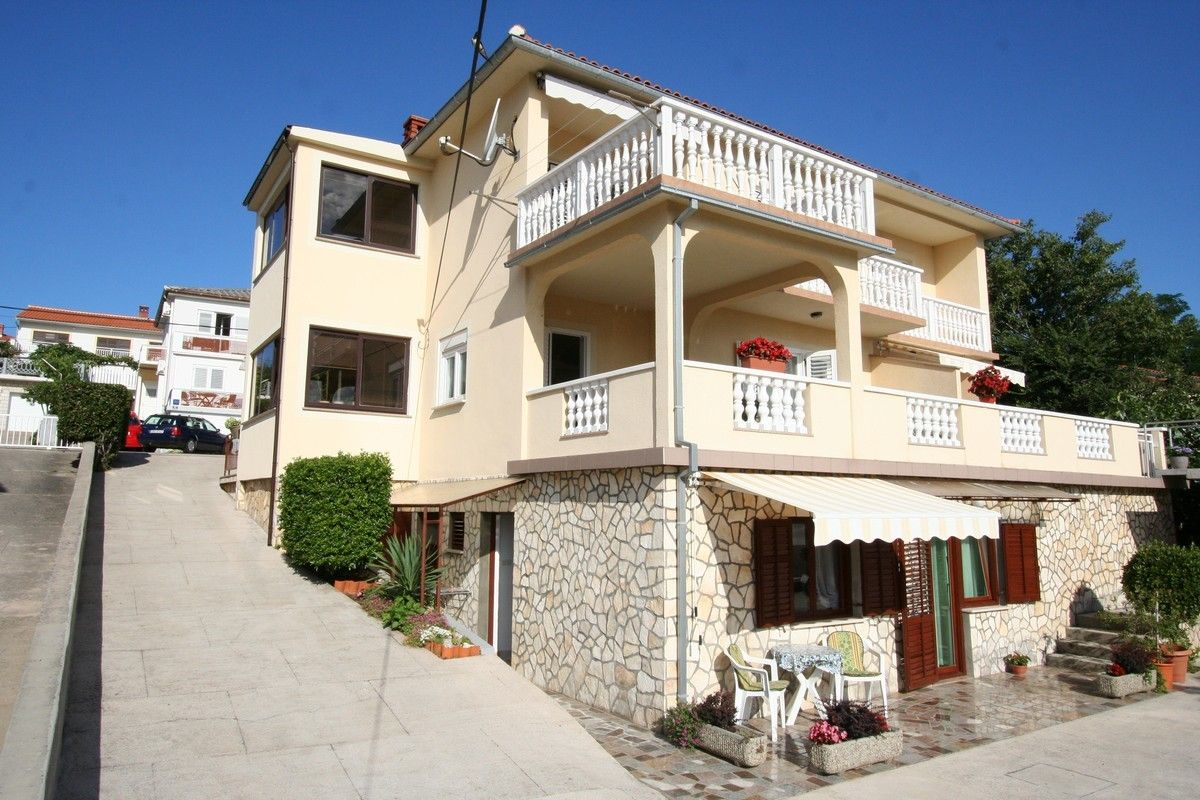 Apartments, Šilo, Island of Krk - Apartment ID 2575
