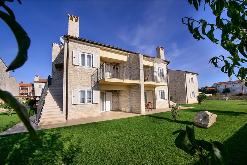 Newly built apartments Tulip near the sea in Medulin, Istria