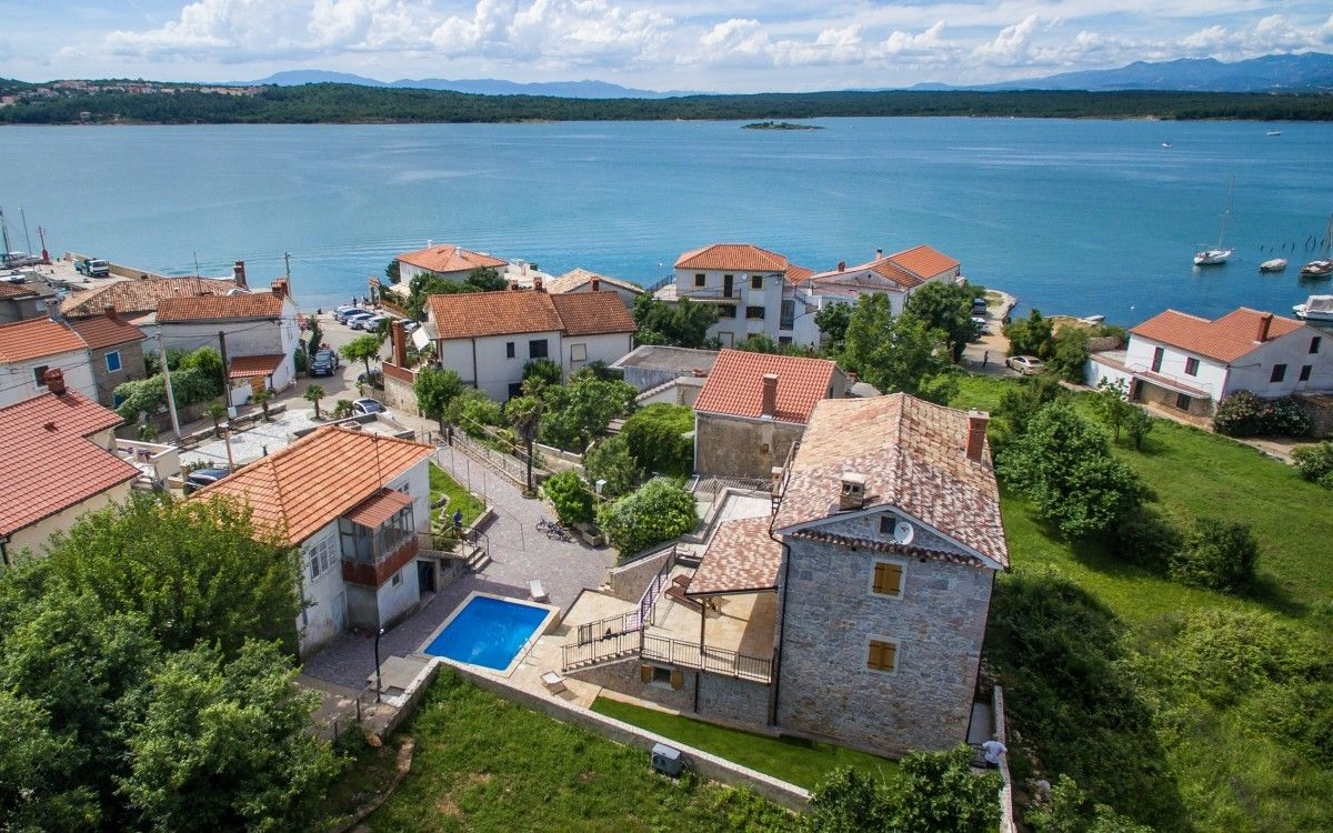 Apartments, Čižići-Klimno-Soline (Šilo), Island of Krk - Apartment ID 2685