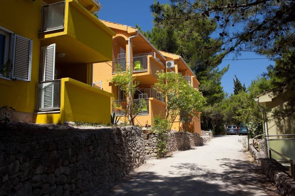 Apartments Island of Ugljan - HOLIDAY PARK ZELENA PUNTA