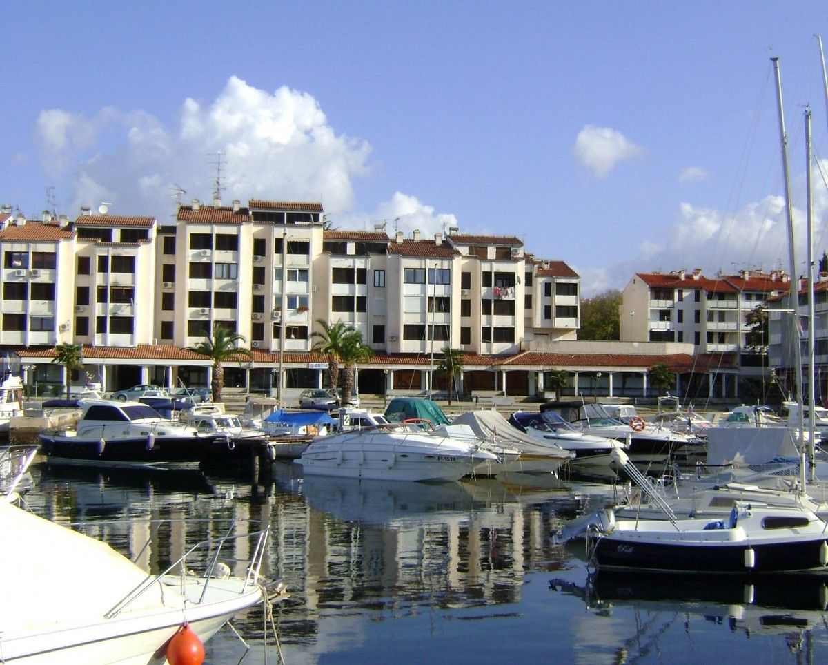 Apartments, Červar porat, Poreč region - Apartment ID 2760
