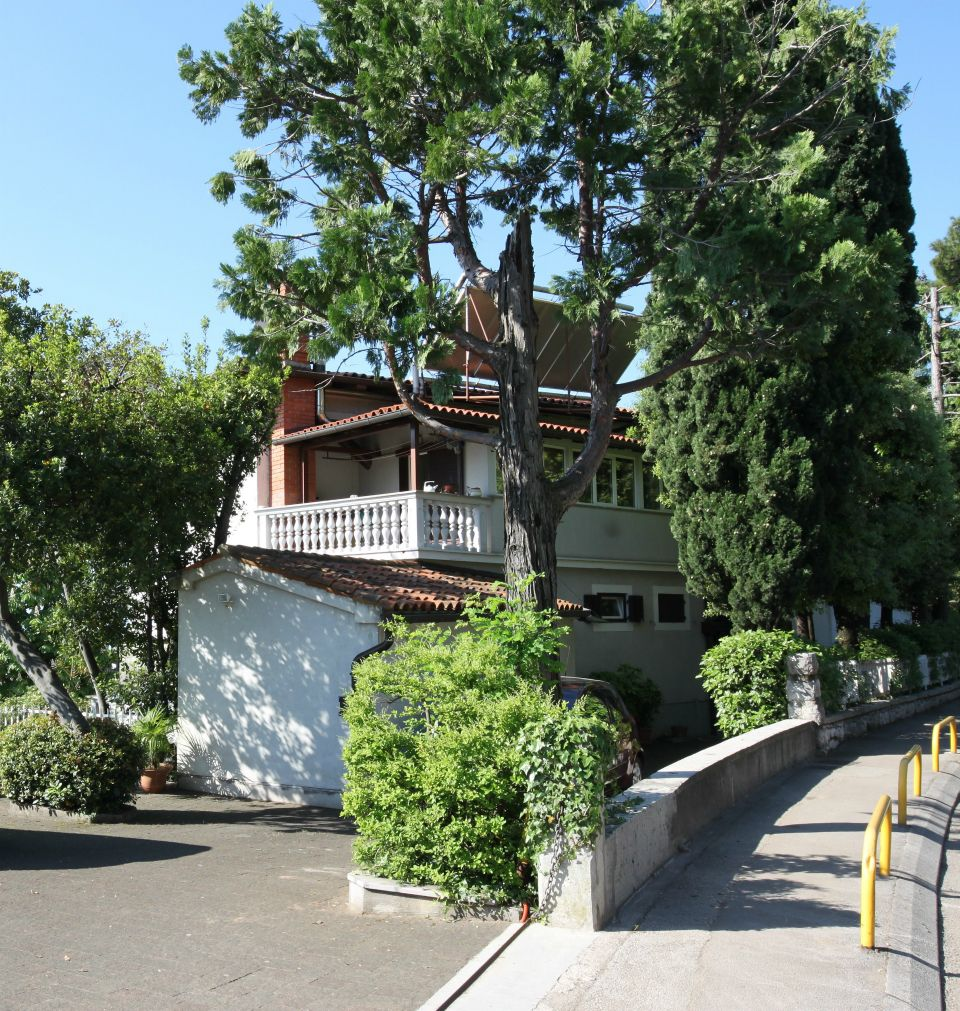 Apartments, Ičići, Opatija and surroundings - Apartment ID 2783