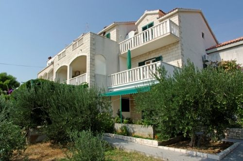 Apartments, Bol, Island of Brač - Apartment ID 2822