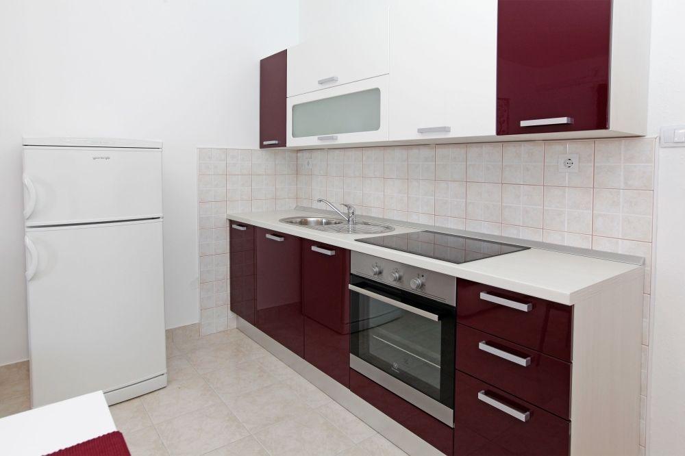 ferienwohnung id 2822 bol insel bra mitteldalmatien split kroatien. Black Bedroom Furniture Sets. Home Design Ideas