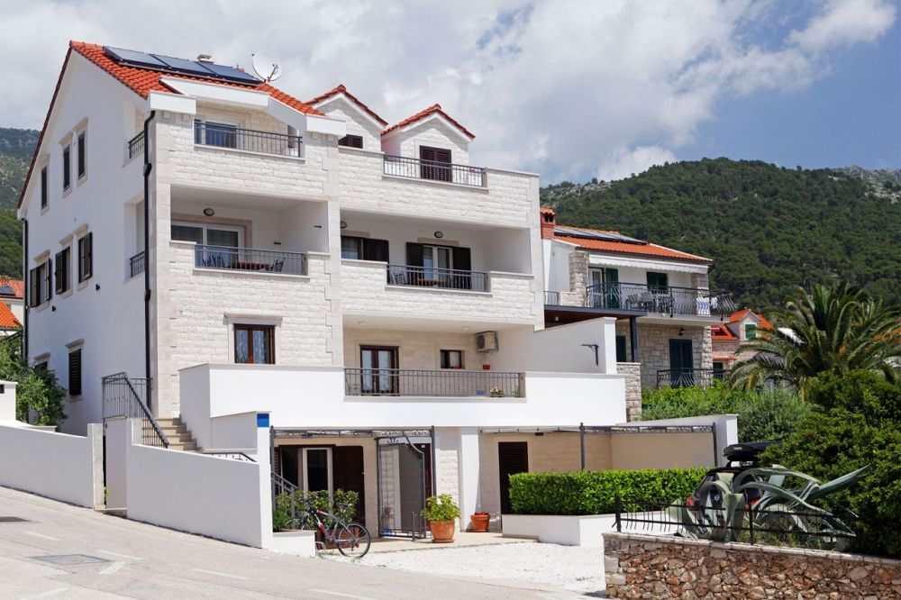 Apartments Island of Brač - Apartment ID 2824