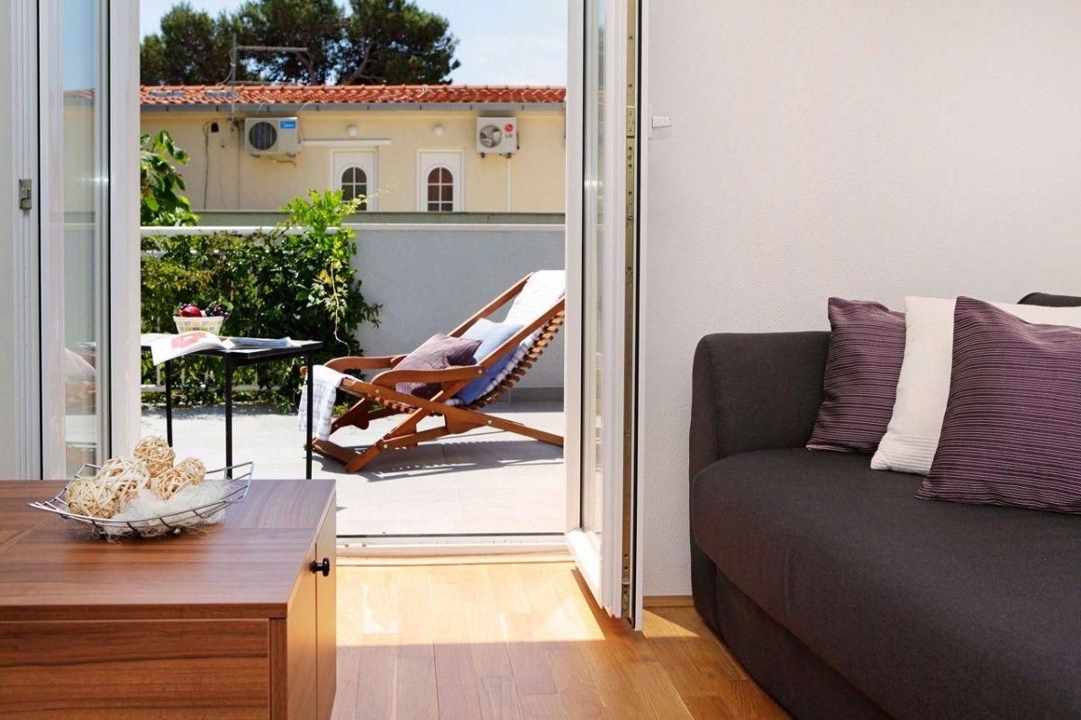 ferienwohnung id 2826 bol insel bra mitteldalmatien split kroatien. Black Bedroom Furniture Sets. Home Design Ideas