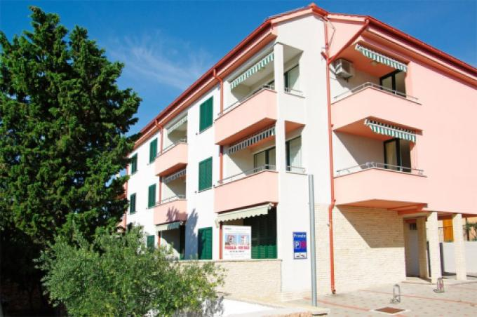 Apartments, Bol, Island of Brač - Apartment ID 2830