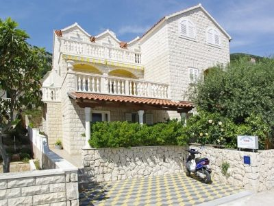 Apartments, Bol, Island of Brač - Apartment ID 2831