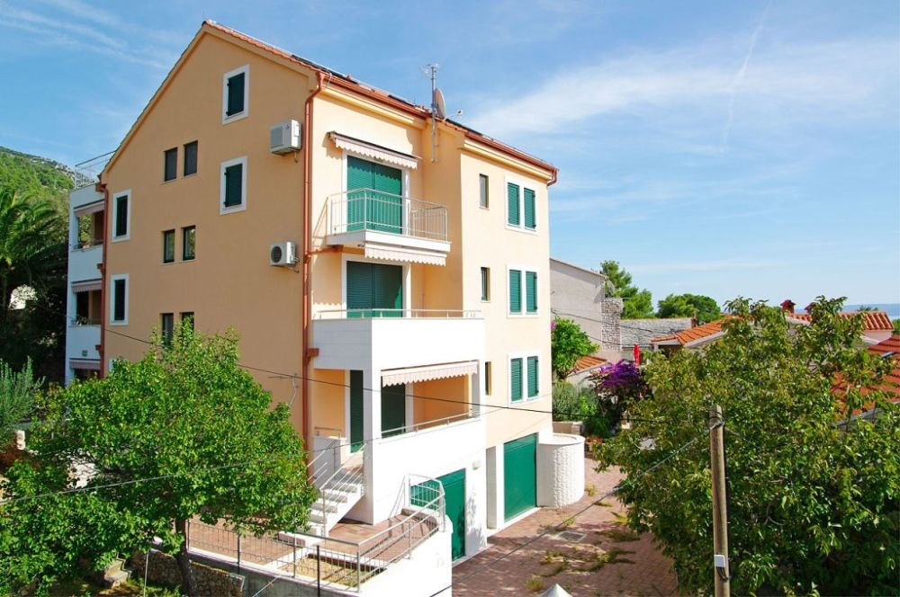 Apartments, Bol, Island of Brač - Apartment ID 2834