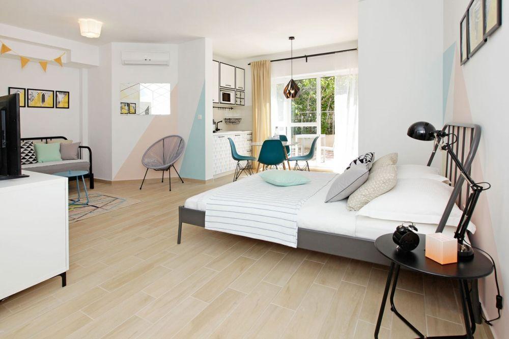 ferienwohnung id 2834 bol insel bra mitteldalmatien split kroatien. Black Bedroom Furniture Sets. Home Design Ideas