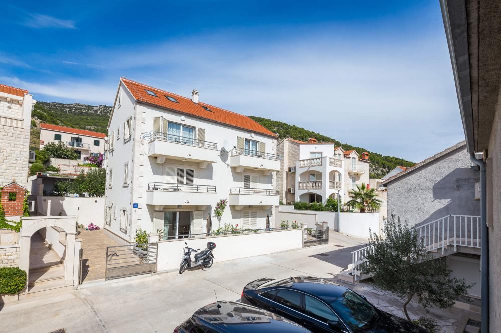 Apartments Island of Brač - Apartment ID 2836