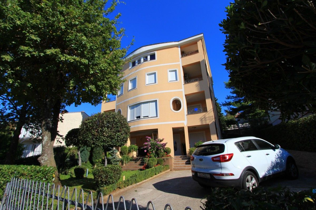 Apartments Crikvenica and surroundings - Apartment ID 0289