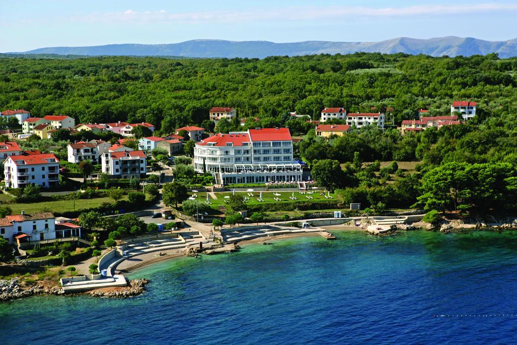 Hotely, Vantačići-Porat (Malinska), Ostrov Krk - HOTEL PINIA