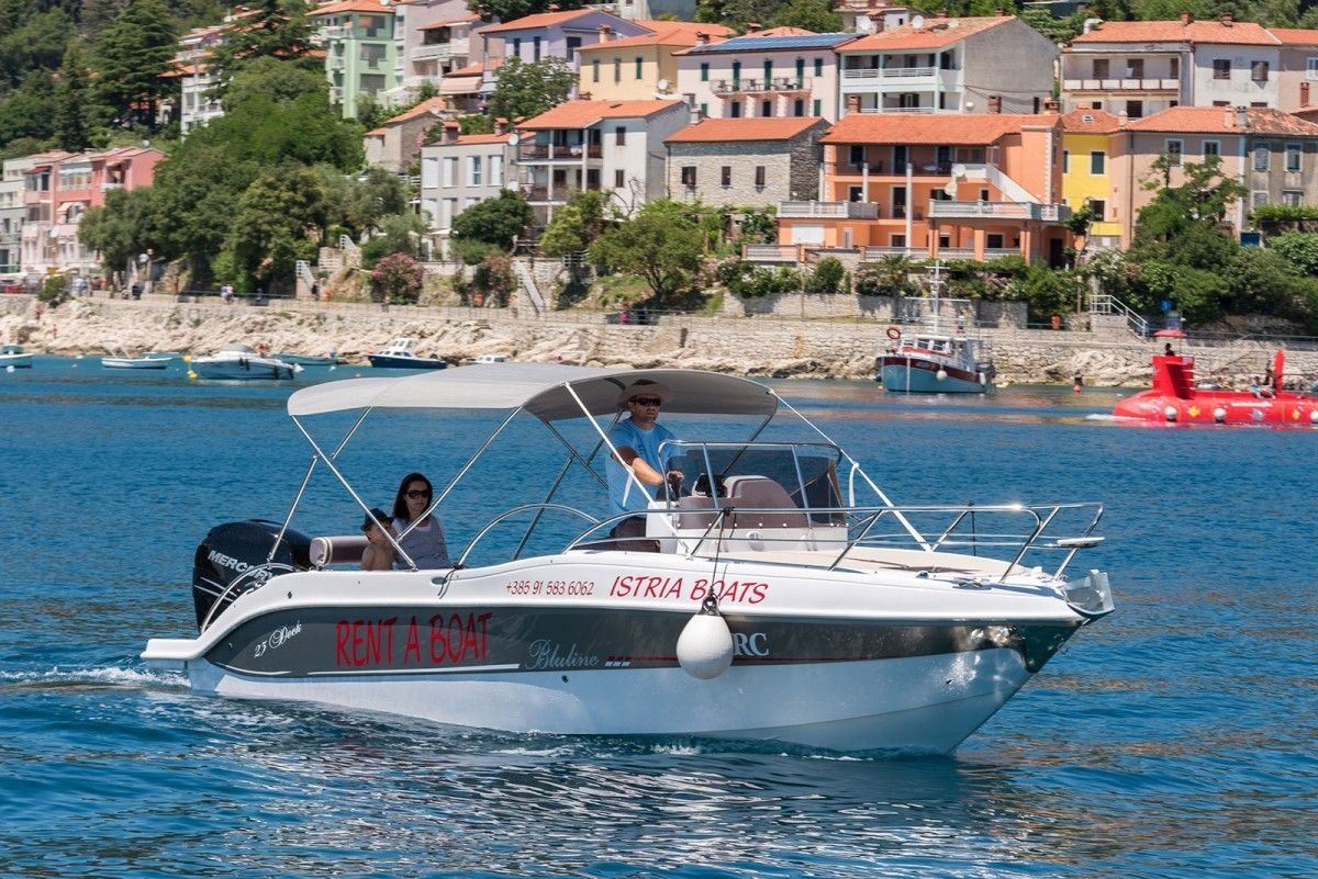 Apartments Pula & south Istria - Rent a boat in Marina Veruda, Pula, Istria - Bluline 23 Sundeck 8 pers 250HP