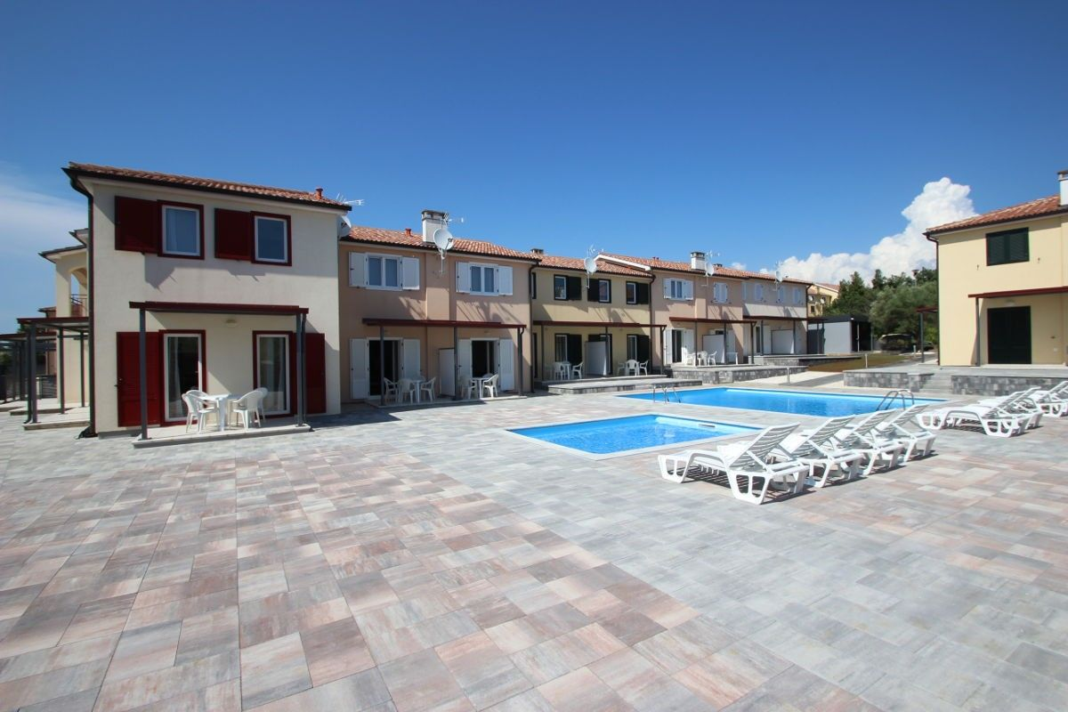 Apartments, Tar-Vabriga, Poreč region - Residence with pool close the resort Camping Lanterna